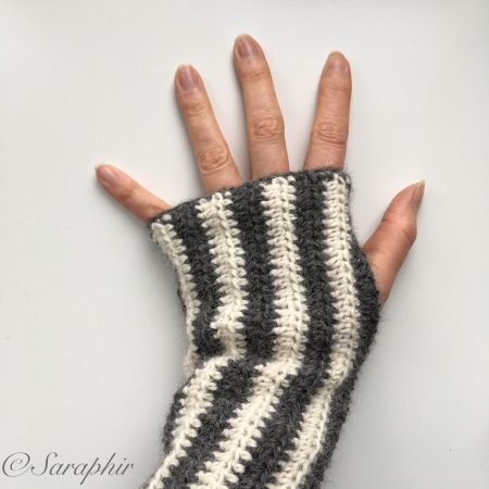 Adelia Wrist Warmers A Free And Contemporary Crochet Pattern